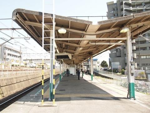 駅構内 (480x360)