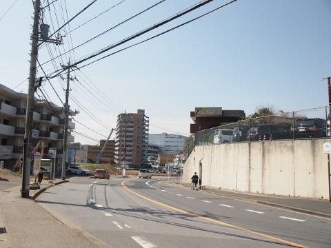 駅前(北口) (480x360)