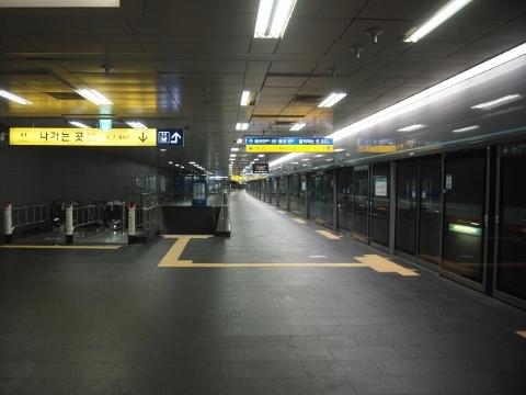 〔韓国〕ソウル地下鉄2号線 弘大入口
