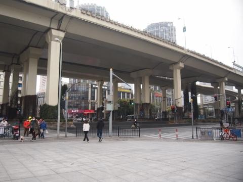 〔中国〕上海軌道交通4号線 魯班路